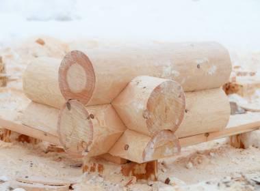 Сколько стоит срубить сруб из кругляка